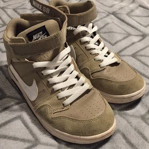 Tan khaki Nike's w/ white stripe
